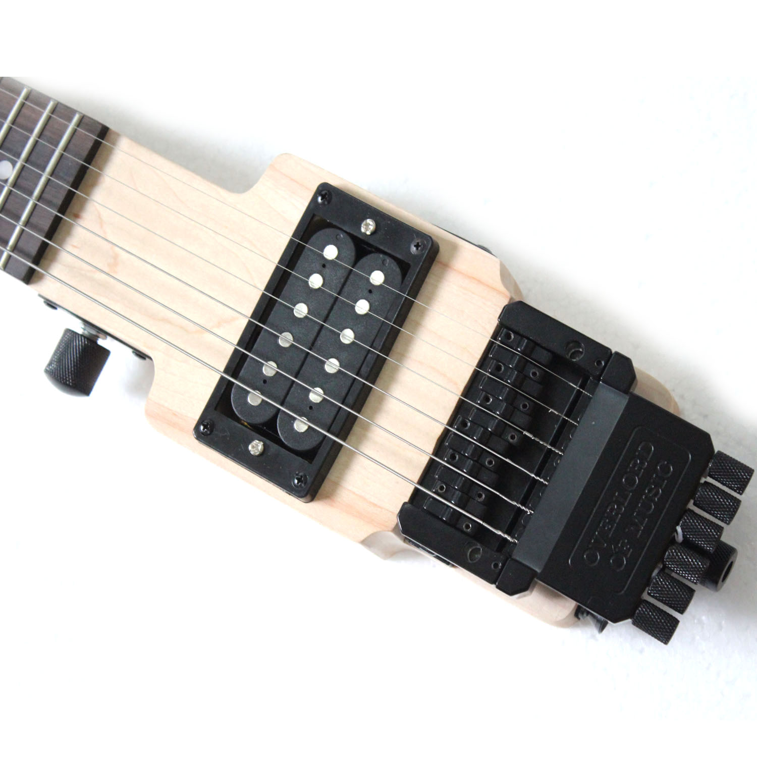 Electric guitar with tremolo